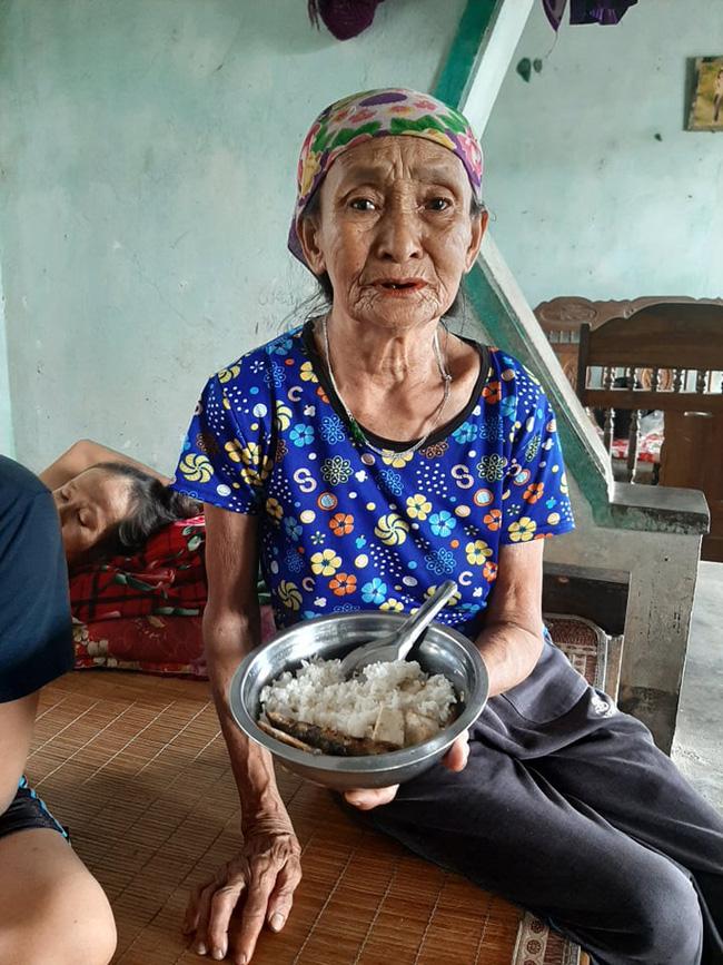 """Gánh nặng của cụ bà chăm con gái ung thư, cháu ngoại tàn tật: """"Tôi chẳng sợ gì, chỉ sợ chết. Tôi mà chết thì con, cháu tôi sống thế nào đây?"""" - Ảnh 5."""