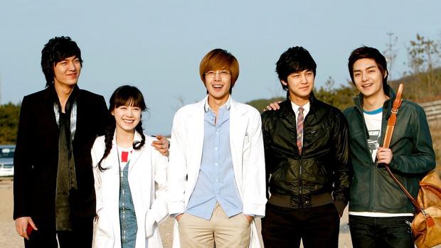 Nam thần Vườn Sao Băng lên top Naver vì hóa anh hùng đời thực: Cứu sống 1 mạng người trong gang tấc, Knet phải nể phục - Ảnh 7.