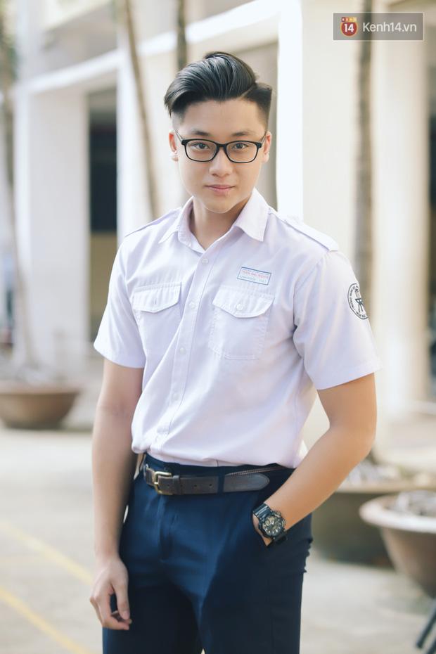 Loạt visual gây thương nhớ trong ngày khai giảng của trường THPT chuyên Trần Đại Nghĩa - Ảnh 1.