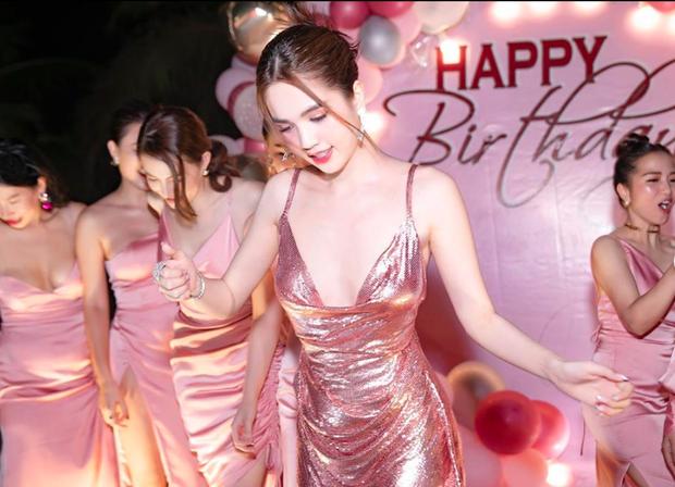 Ngọc Trinh tung loạt ảnh căng đét trong tiệc sinh nhật: Nguyên team đi ra hết để nữ hoàng nội y chiếm trọn spotlight - Ảnh 3.