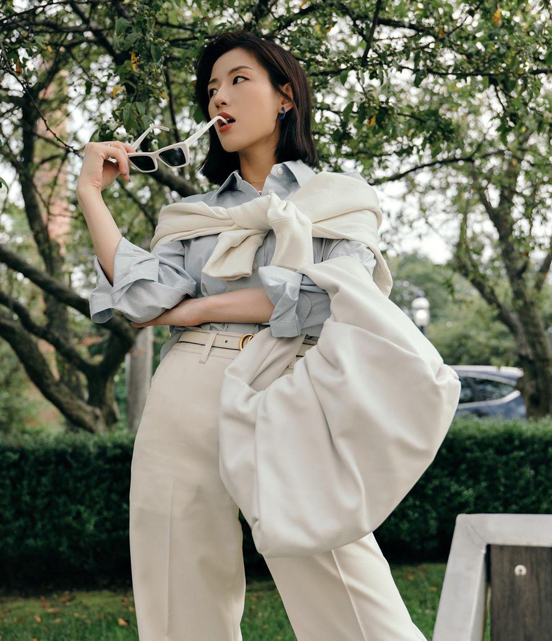 9 kiểu diện cardigan hờ hững, buông lơi học từ gái Hàn đến gái Pháp chuẩn chỉnh cho ngày hanh hao gió mùa - Ảnh 5.