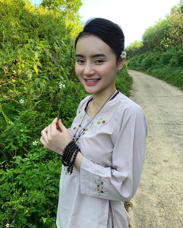 Em gái Angela Phương Trinh ngày càng thăng hạng nhan sắc, nổi bật với khí chất mỹ nhân  - Ảnh 7.