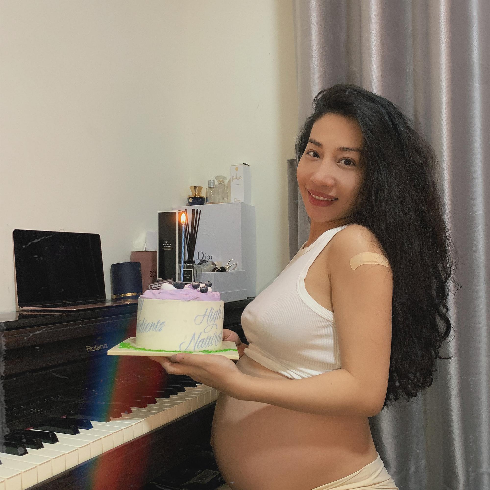 Hằng BingBoong chính thức hạ sinh con trai đầu lòng khi bạn trai người Pháp gốc Việt vẫn kẹt ở trời Tây - Ảnh 4.