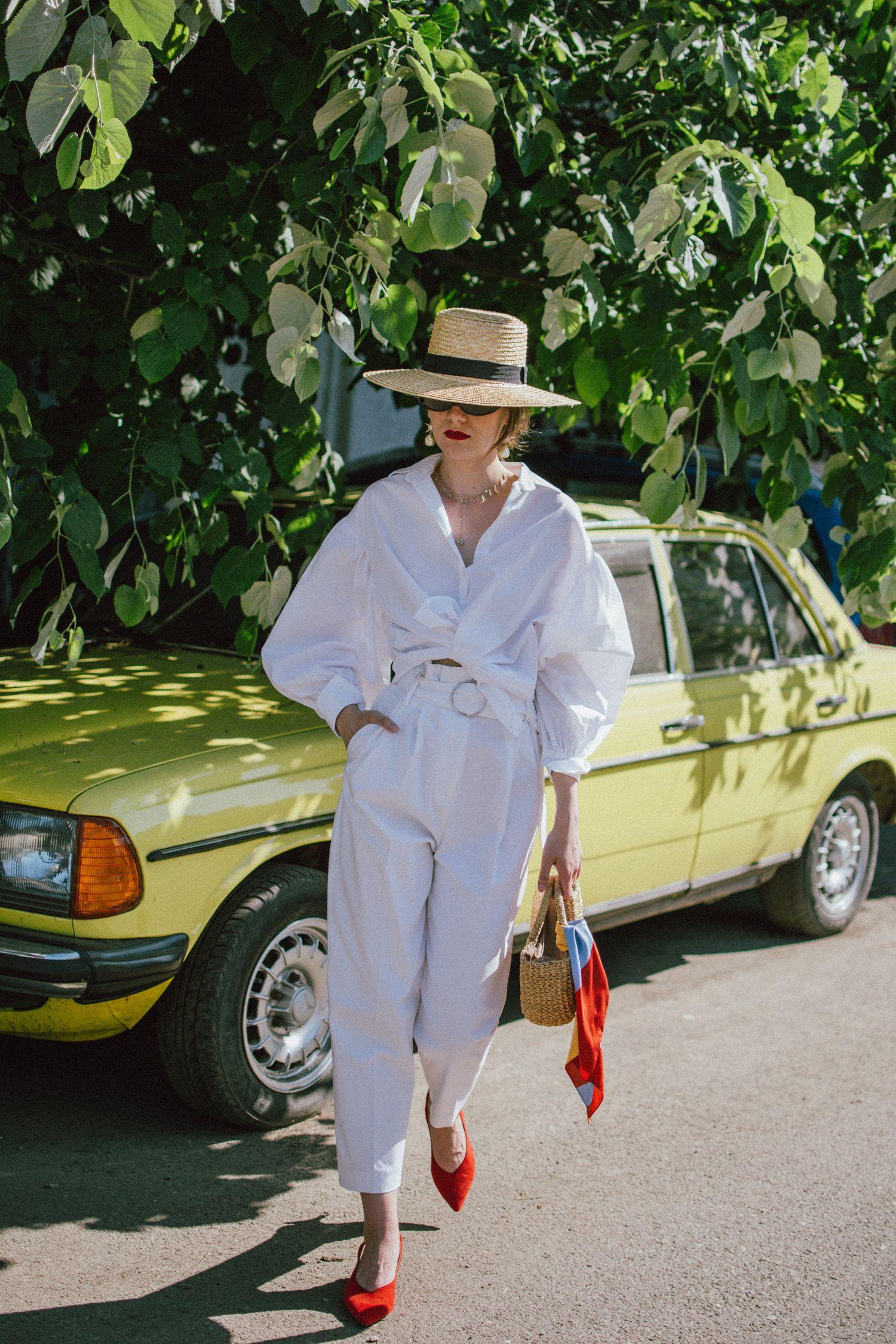 Đừng mãi quanh quẩn với giày đen/trắng nữa, giày đỏ mới thực sự giúp nâng tầm style và khiến bạn trông sang như gái Pháp - Ảnh 12.