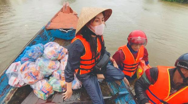 Báo quốc tế nói về bão số 9 Molave tại Việt Nam: Cơn bão cuồng loạn mạnh nhất thập kỷ đánh vào một quốc gia kiên cường - Ảnh 3.