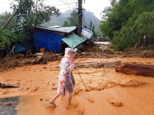 2 vụ sạt lở liên tiếp tại Quảng Nam: Hơn 40 người ở xã Trà Leng bị vùi lấp mất tích, tìm thấy 7 thi thể ở xã Trà Vân - Ảnh 2.