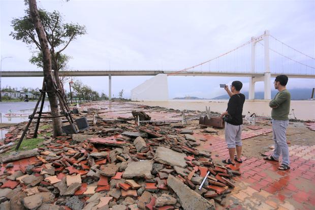 Thông tin về thiệt hại ban đầu do bão số 13 gây ra tại miền Trung - Ảnh 5.