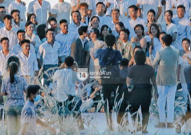 """2 siêu đám cưới hot nhất Vbiz tại Phú Quốc: Đông Nhi và Công Phượng đều mời dàn khách khủng, khung cảnh hôn lễ đẹp """"lả người"""" - Ảnh 23."""