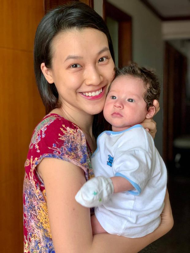 Hoàng Oanh đăng ảnh đi ăn tối nhưng netizen chỉ dán mắt vào vòng 1 căng đầy, cực nóng bỏng của mẹ bỉm - Ảnh 6.
