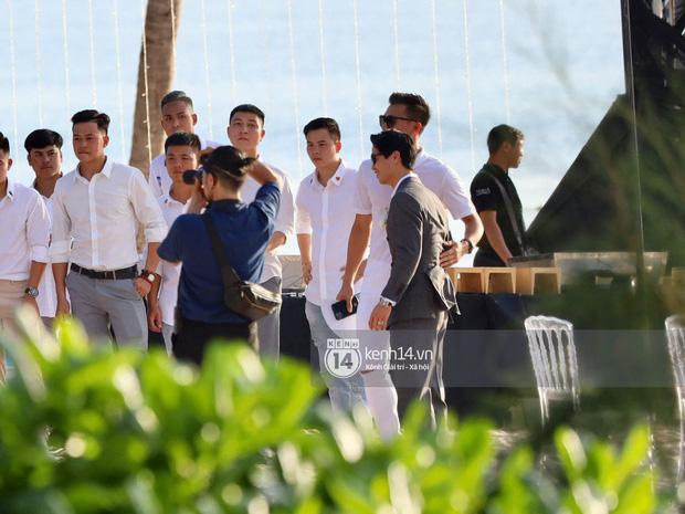 """2 siêu đám cưới hot nhất Vbiz tại Phú Quốc: Đông Nhi và Công Phượng đều mời dàn khách khủng, khung cảnh hôn lễ đẹp """"lả người"""" - Ảnh 15."""