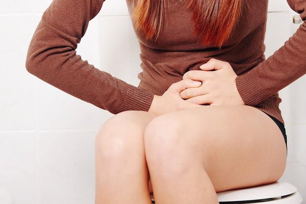 4 biểu hiện khi đi vệ sinh sau khi thức dậy vào buổi sáng ngầm cảnh báo bạn đang mắc các bệnh nguy hiểm về tử cung - Ảnh 1.
