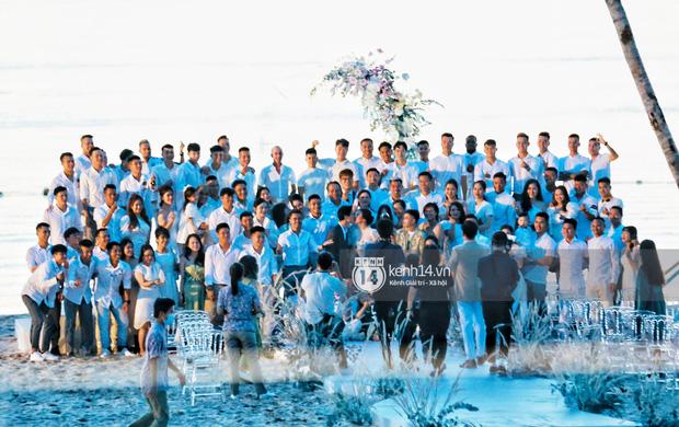 """2 siêu đám cưới hot nhất Vbiz tại Phú Quốc: Đông Nhi và Công Phượng đều mời dàn khách khủng, khung cảnh hôn lễ đẹp """"lả người"""" - Ảnh 14."""