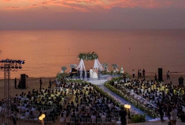 """2 siêu đám cưới hot nhất Vbiz tại Phú Quốc: Đông Nhi và Công Phượng đều mời dàn khách khủng, khung cảnh hôn lễ đẹp """"lả người"""" - Ảnh 9."""