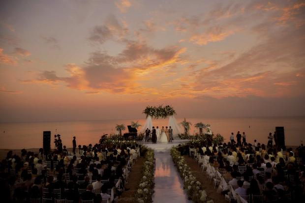 """2 siêu đám cưới hot nhất Vbiz tại Phú Quốc: Đông Nhi và Công Phượng đều mời dàn khách khủng, khung cảnh hôn lễ đẹp """"lả người"""" - Ảnh 10."""