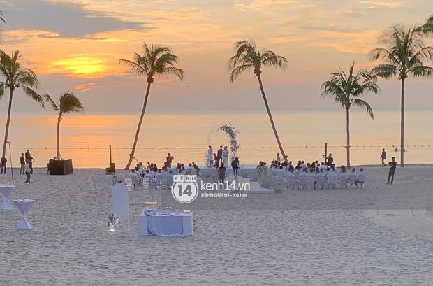 """2 siêu đám cưới hot nhất Vbiz tại Phú Quốc: Đông Nhi và Công Phượng đều mời dàn khách khủng, khung cảnh hôn lễ đẹp """"lả người"""" - Ảnh 19."""