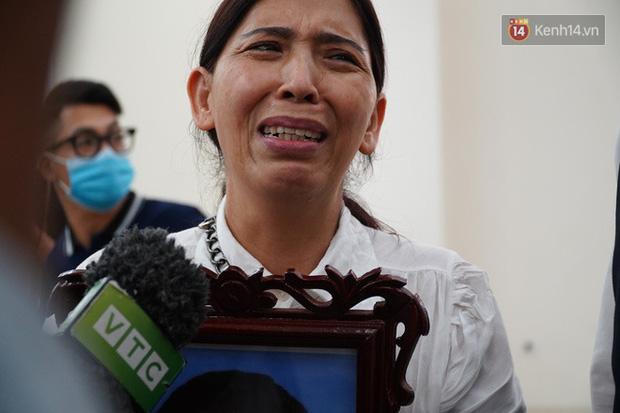 Người mẹ bật khóc: Tôi sẽ làm đơn xin giảm án cho Lan Anh - Ảnh 2.