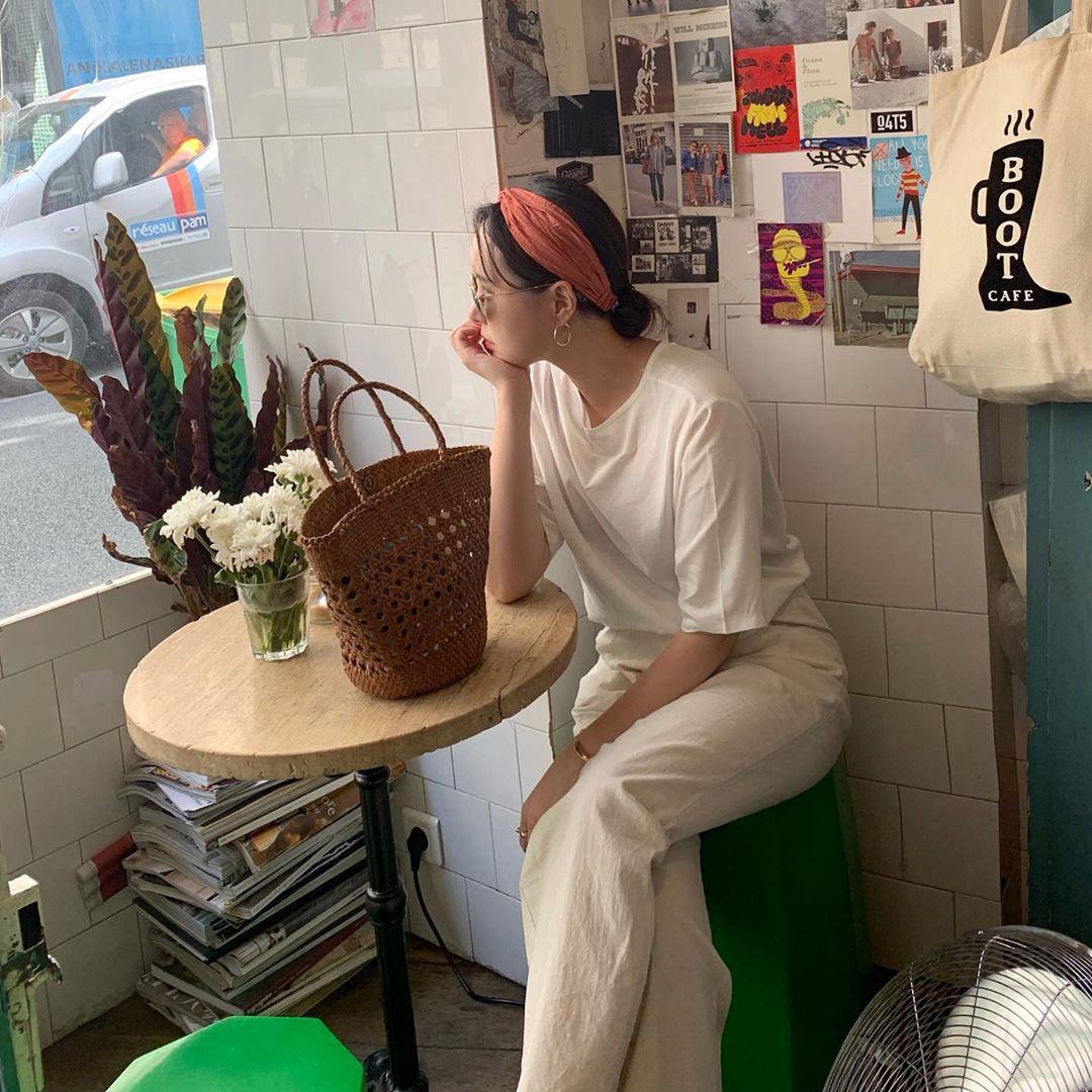 Hội con gái Hàn hay mix quần ống suông với 3 kiểu áo này để ghi điểm sành điệu và sang xịn nhất - Ảnh 1.