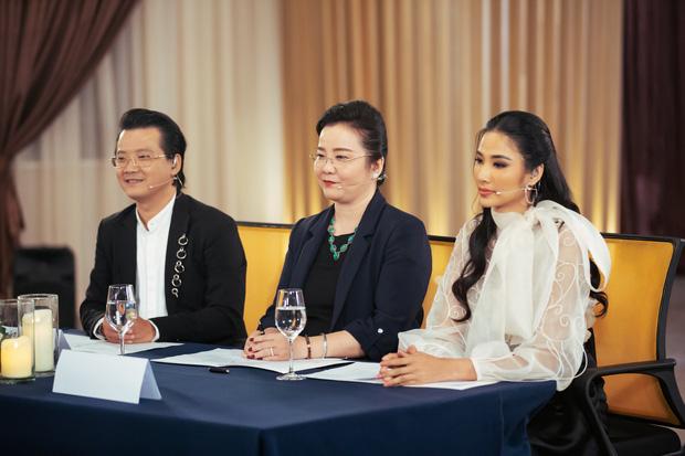 Hóa ra mẹ vợ của thiếu gia Phan Thành là giám khảo Hoa hậu Hoàn vũ VN với câu nói gây ám ảnh Trừ điểm thanh lịch! - Ảnh 6.