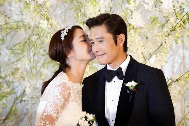 Mỹ nhân Vườn Sao Băng Lee Min Jung: Tiểu thư ngậm thìa vàng, vì yêu mà tha thứ cho chồng tài tử dính bê bối ngoại tình động trời - Ảnh 2.