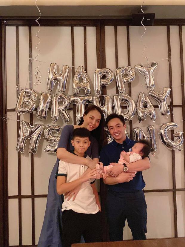 Cường Đô La đăng ảnh cả gia đình mừng sinh nhật Đàm Thu Trang, hành động của Subeo với mẹ kế chiếm spotlight - Ảnh 3.