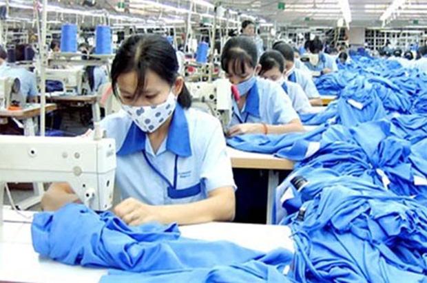 Từ 1/2/2021, lao động nữ đi làm ngày đèn đỏ sẽ được nhận thêm tiền lương - Ảnh 1.