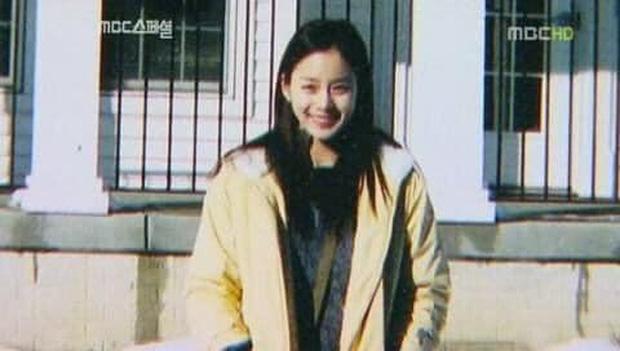 Hot lại bộ ảnh Kim Tae Hee thời sinh viên: Nhan sắc chấp camera mờ nhòe, bảo sao thành nữ thần Đại học Quốc gia Seoul - Ảnh 14.
