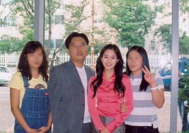 Hot lại bộ ảnh Kim Tae Hee thời sinh viên: Nhan sắc chấp camera mờ nhòe, bảo sao thành nữ thần Đại học Quốc gia Seoul - Ảnh 6.