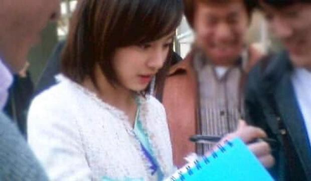Hot lại bộ ảnh Kim Tae Hee thời sinh viên: Nhan sắc chấp camera mờ nhòe, bảo sao thành nữ thần Đại học Quốc gia Seoul - Ảnh 15.