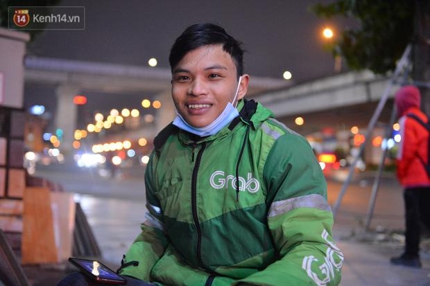 Câu chuyện về đội thiên thần cứu hộ giúp đỡ hàng nghìn người gặp nạn trên đường phố Hà Nội: Rét mấy cũng trực cứu người! - Ảnh 8.