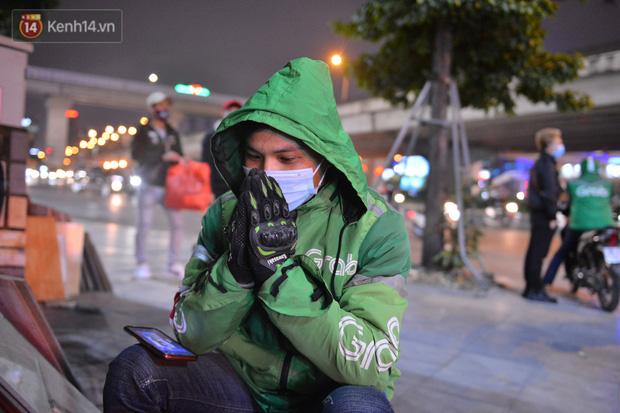 Câu chuyện về đội thiên thần cứu hộ giúp đỡ hàng nghìn người gặp nạn trên đường phố Hà Nội: Rét mấy cũng trực cứu người! - Ảnh 9.