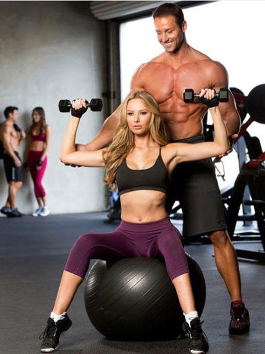 Thân hình 6 múi nhờ chăm tập gym