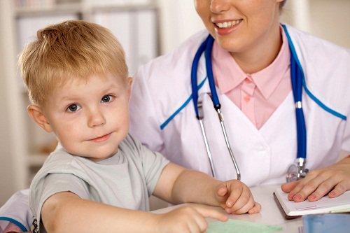Hen suyễn ở trẻ em mùa lạnh và những điều mẹ cần biết để bảo vệ con