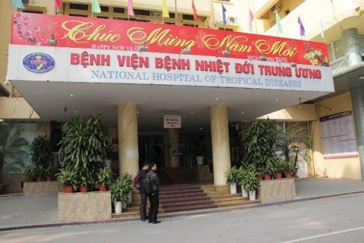 Bệnh viện Nhiệt đới có khám chủ nhật không?