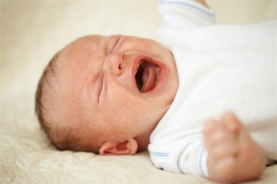 24h đầu sau sinh mẹ nên chăm bé như thế nào là đúng?