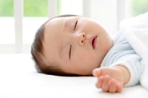 Các cách trị ngứa da đầu cho trẻ nhỏ