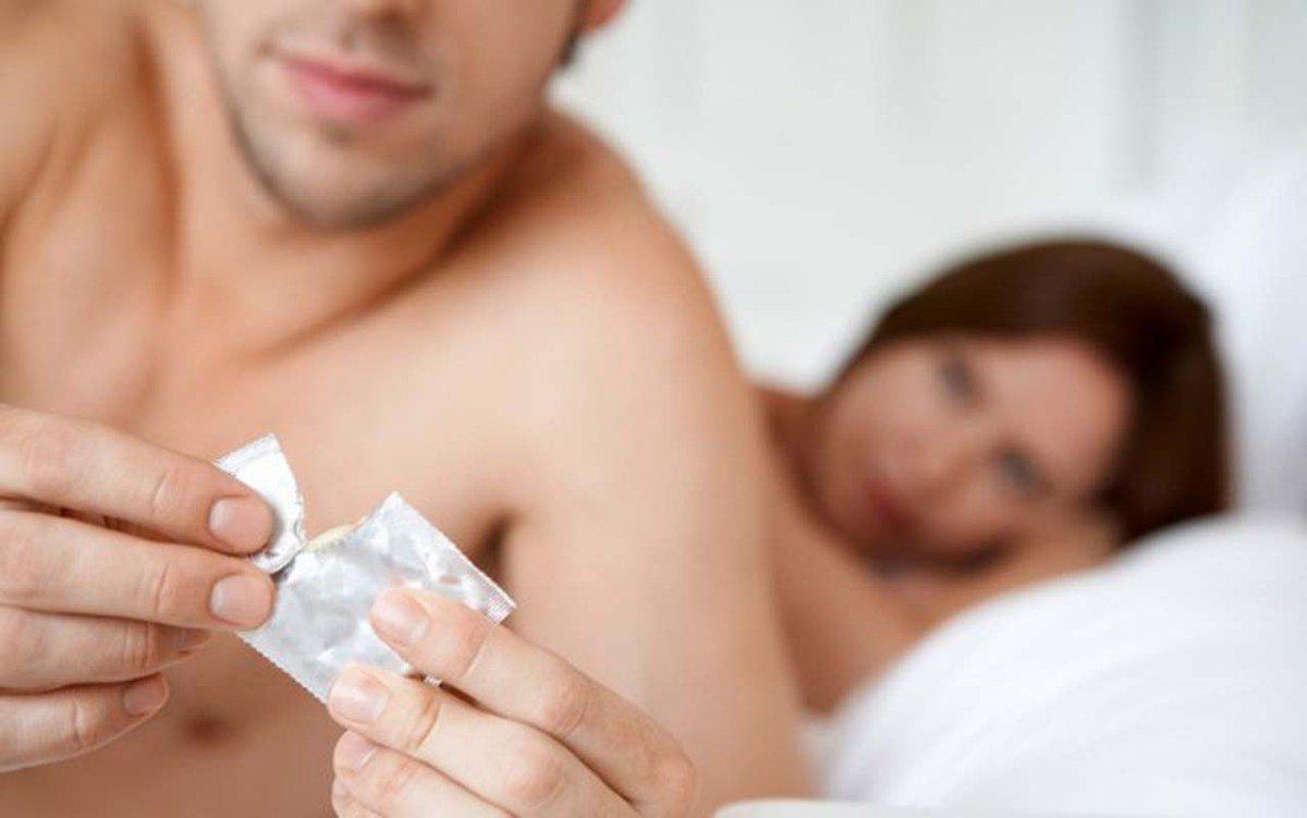 Dùng bao cao su của gái mại dâm có nên đi làm xét nghiệm HIV không?