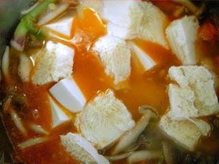 Cơm ngon hơn nhiều với tô canh đậu phụ mát lành