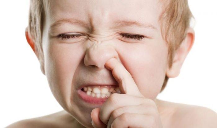 Nguyên nhân dẫn đến việc chảy máu mũi một bên
