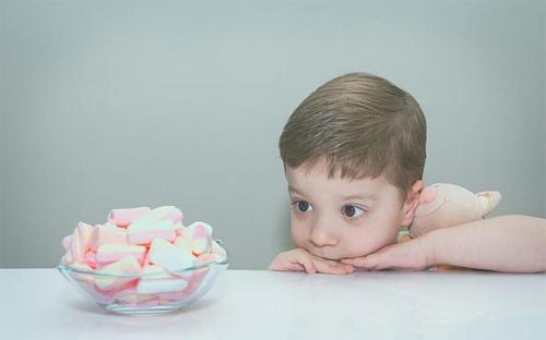 Nhận biết trí thông minh ở trẻ nhờ... quả nho khô