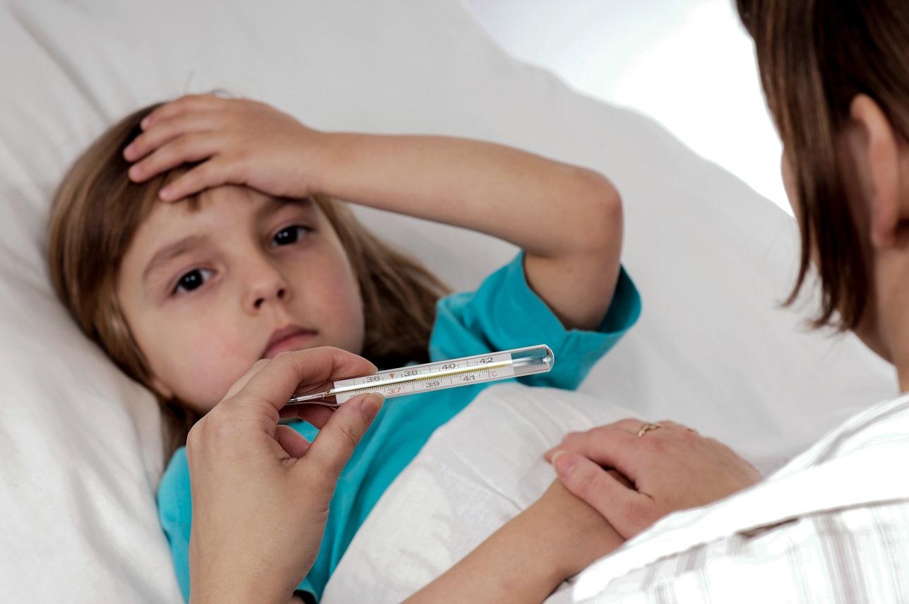 Những sai lầm phổ biến của bố mẹ khi chăm sóc con bị bệnh