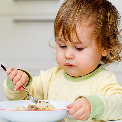Bữa phụ cho trẻ: Không thể coi là thứ yếu