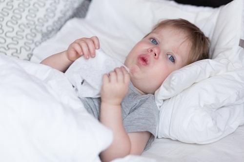 Dấu hiệu ho cảnh báo bệnh nguy hiểm ở trẻ