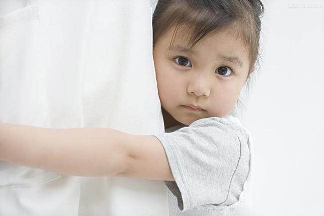 Bí kíp 'cứu tinh' cho những mẹ có con hay xấu hổ trở nên tự tin mạnh dạn hơn