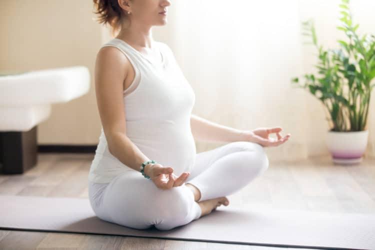 Bạn sẽ bất ngờ với 7 lợi ích của yoga cho bà bầu sau đây!