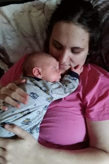 Mẹ đau thắt lòng khi con mới sinh bị thương nặng phần đầu chỉ vì bác sĩ bất chấp sử dụng cụ trợ sinh này