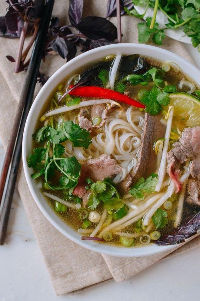 Những món ăn mà chúng ta hay kiêng để giảm cân thực ra lại được cho vào danh sách 'healthy' của nước ngoài