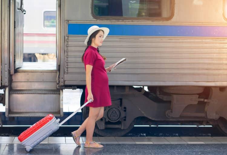 Bà bầu đi tàu hỏa cần lưu ý những gì?