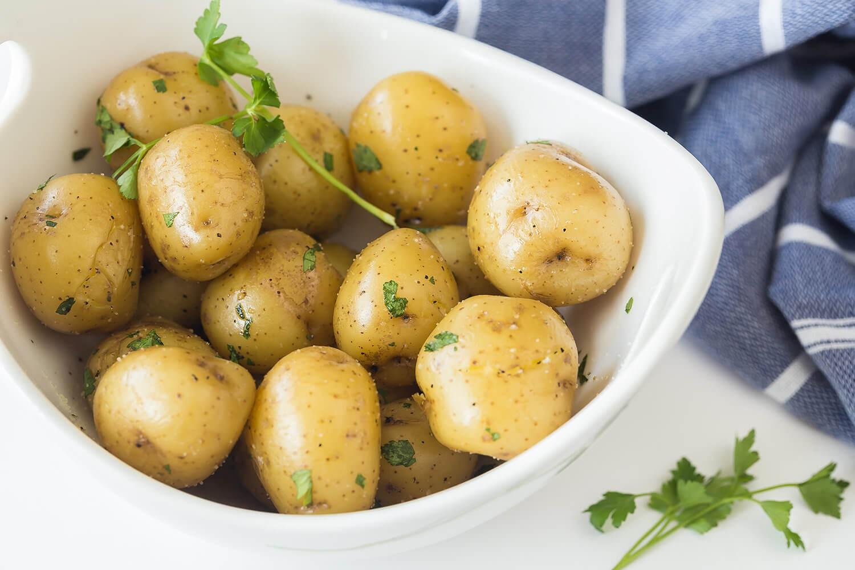 Sửng sốt: Tưởng cứ ăn nhiều rau củ quả sẽ giảm cân nhưng vẫn có loại khiến chị em béo lên đây này!