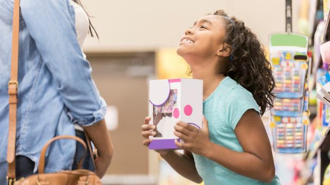 Cha mẹ hãy nắm ngay 9 cách ứng phó với thói xin xỏ nài nỉ cho bằng được của trẻ
