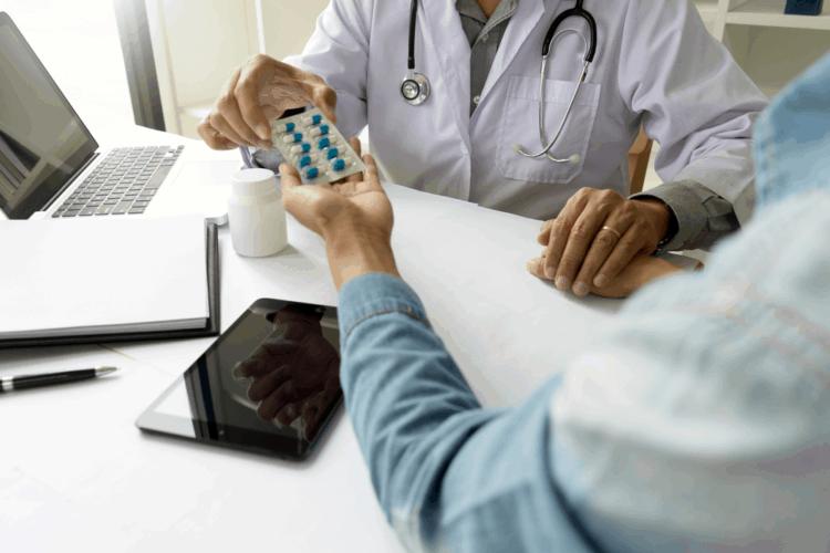 Điều trị suy tim: Dùng thuốc thôi vẫn chưa đủĐây là một bài viết được tài trợ. Để biết thêm thông tin về chính sách Quảng cáo và Tài trợ của chúng tôi, vui lòng đọc thêm tại đây.